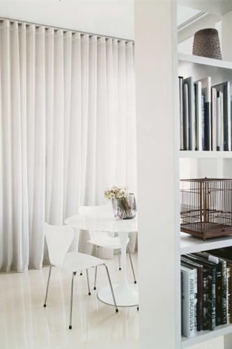 dec-small-space-dining-room-white-curtain-dec14-20150217145833-q75,dx800y-u1r1g0,c--